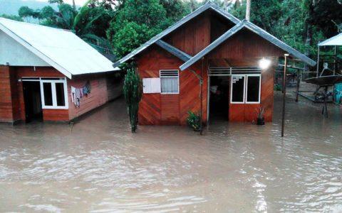 Banjir Landa Desa Mopait Kecamatan Lolayan