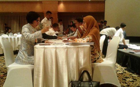 Yasti Tandatangan Hibah dari Direktorat Jendral Perimbangan Keuangan