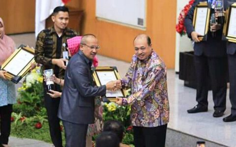 Bolmut Raih Penghargaan Swasti Saba Wiwerda