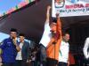 Terjadi di Bolmut, Kampanye Samai, Paslon Bupati Saling Gendong