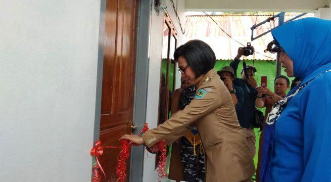 Yasti Resmikan Pos TNI AL Labuan Uki