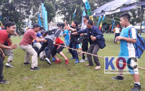 Final Tarik Tambang Kawan Kota Diskominfo Vs Satpol PP