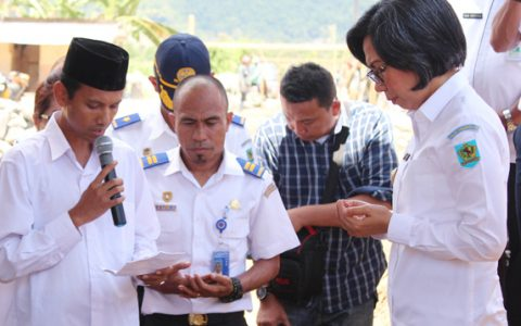 Bupati Yasti Letakan Batu Pertama Pembangunan Terminal Tipe A Bolmong