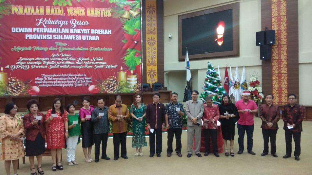 Gelar Ibadah Pra Natal Ini Pesan Ketua DPRD Andrei Angouw
