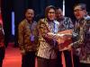 Wali Kota Tatong Bara Terima Penghargaan Kota Peduli HAM