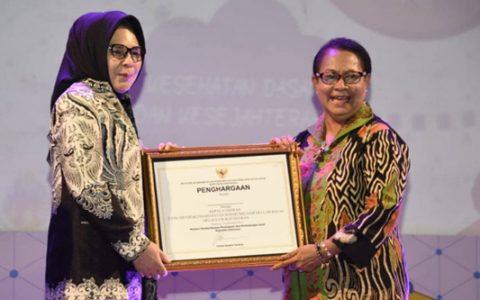 Wali Kota Kotamobagu Terima Penghargaan Tingkat Nasional