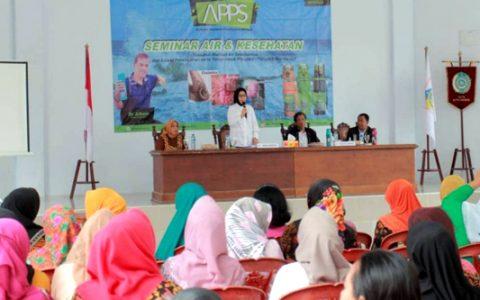 Gelar Seminar Tentang Air dan Kesehatan, Tatong Apresiasi Pengurus PKK dan DP3A