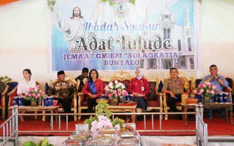 Bupati saat menghadiri acara tulude di Desa Buntalo