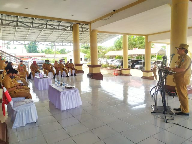 Pjs Bupati Bolsel Dr Hi Praseno Hadi MM Ak CA Memberikan Sambutan Saat Kunker di Bolmong. (Foto: Jr)