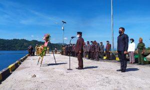 Sekda Bolmong Pimpin Upacara Ziarah Rombongan Tabur Bunga dan Pelarungan Hari Pahlawan. (Foto: Istimewa)