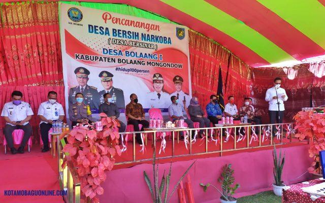 Wabup Bolmong Yanny Ronny Tuuk STh MM Berikan Sambutan Pada Kegiatan Pencanangan Desa Bersih Narkoba di Desa Bolaang I. (Foto: Jr)