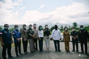 Ketua dan Anggota DPD RI Bersama Bupati Meninjau Lokasi Kawasan Industri Mongondow (Kimong). (Foto: Istimewa)