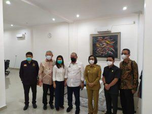 Ketua dan Anggota DPD RI Bersama Bupati dan Ketua DPRD Bolmong Meninjau Kantor PT Kawasan Industri Mongondow (Kimong). (Foto: Istimewa)