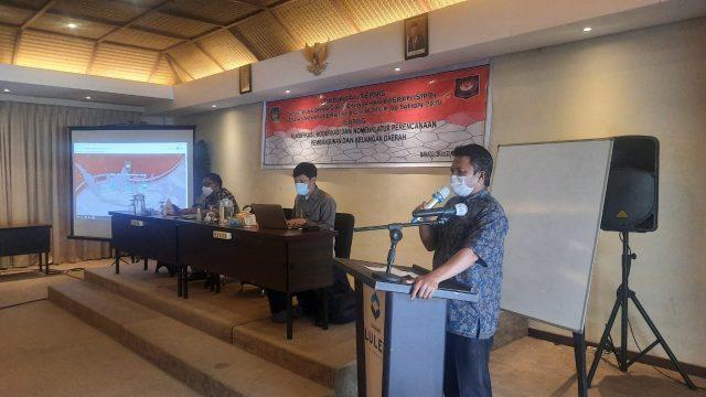 Sekda Bolmong Tahlis Gallang SIP MM Buka Bimtek SIPD. (Foto: Istimewa)